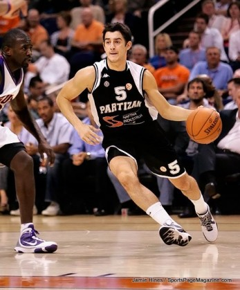 Partizan Belgrade's Stefan Sinovec #5 drives the baseline while Jason Richardson #23 defends during an NBA game at Us Airways Center October 6, 2009