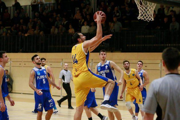 Nuhanović je blestel tudi proti Hrastničanom. (Foto: Facebook/Košarkarski klub Škofja Loka)