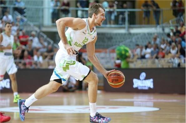 Zoran Dragić je bil najboljši strelec slovenske reprezentance z 21 točkami. (foto: kzs.si)
