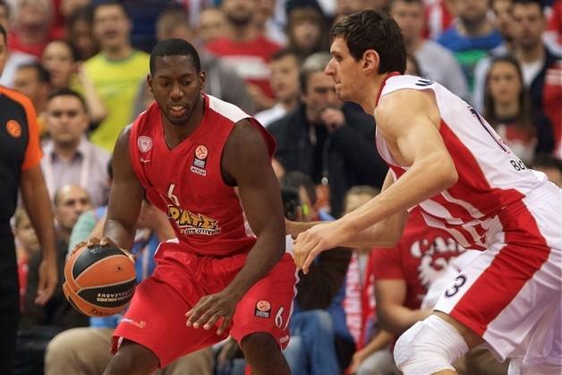 Dunston manjko v centimetrih nadoknadi z atletskimi sposobnostmi in močjo. foto: euroleague.net