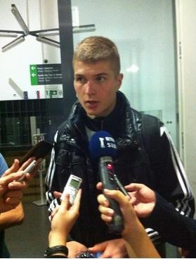 """""""Čeprav plače niso redne, lepo živimo. To na nas ne vpliva, saj ni nobenega igralca, ki bi v Partizan prišel vzeti denar, kar je najbolj pomembno."""""""