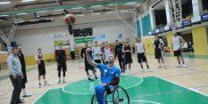FOTO: Košarkarski reprezentant na vozičku